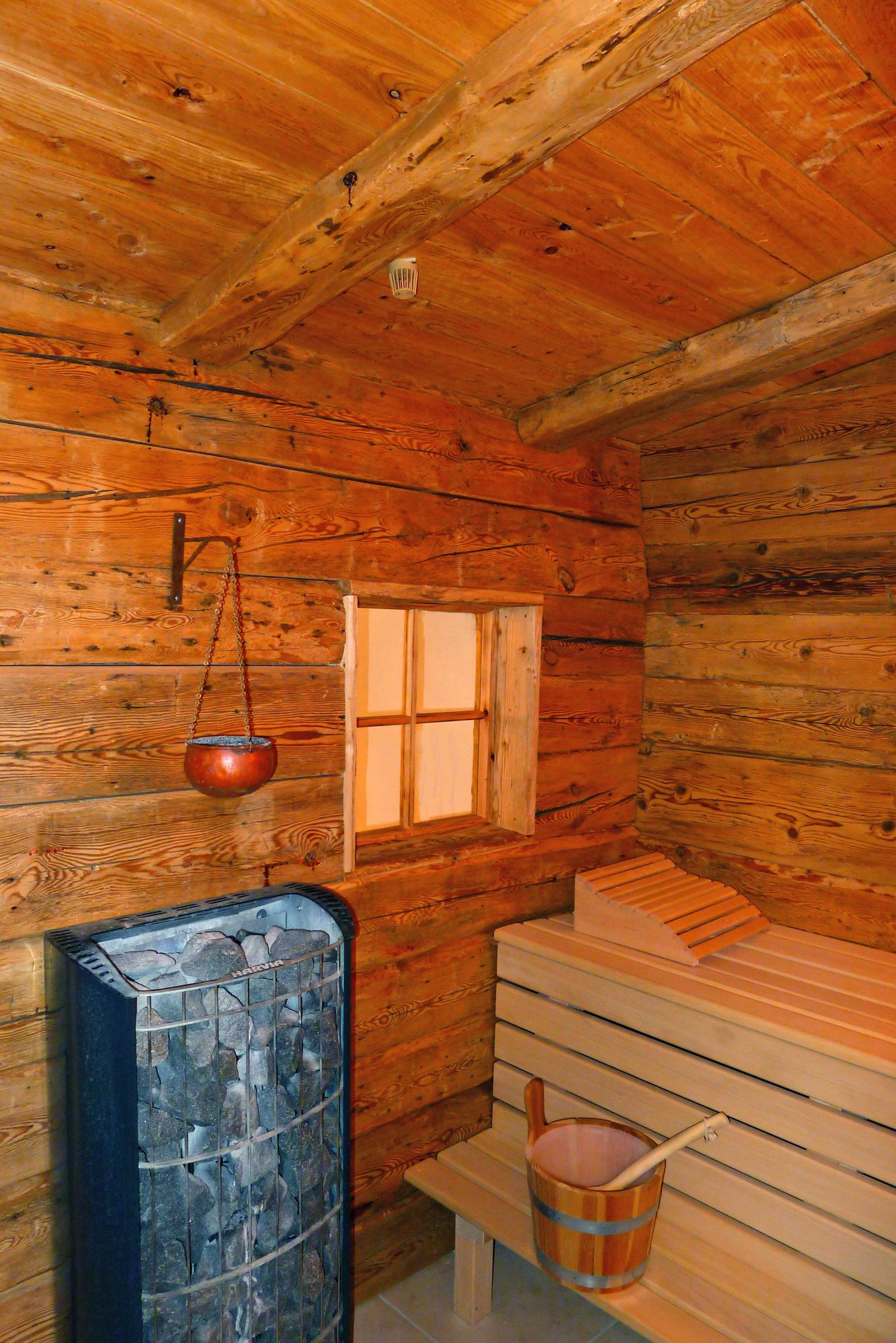 blockhaussauna aus altholz. Black Bedroom Furniture Sets. Home Design Ideas