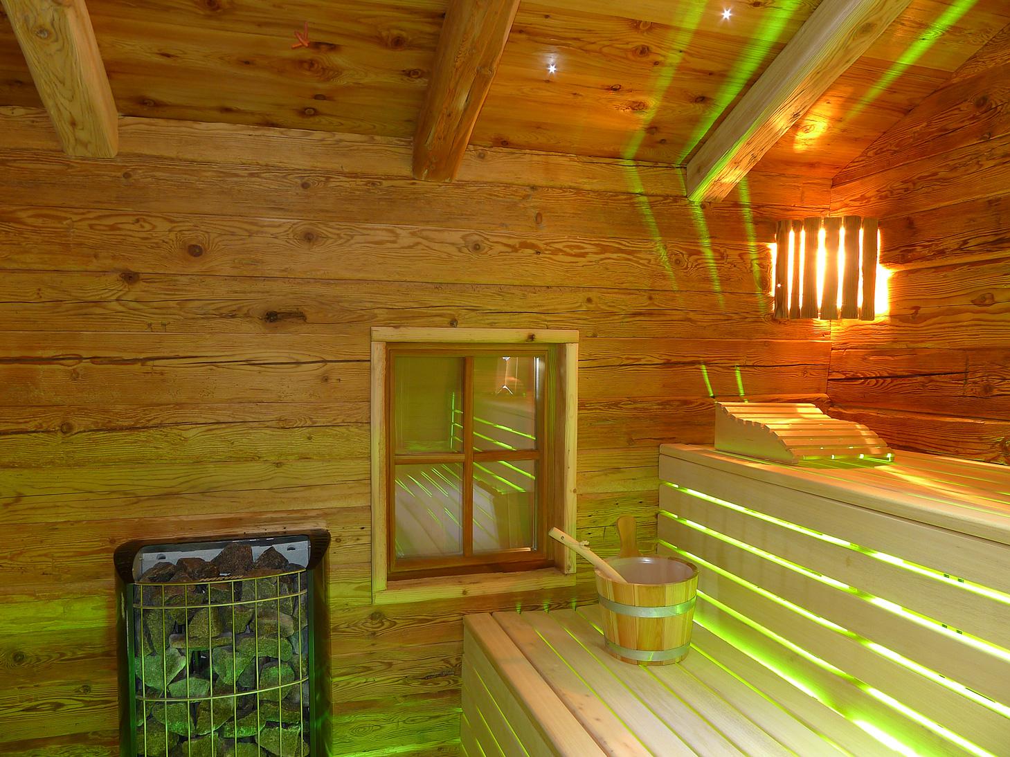 individuelle blockhaus sauna. Black Bedroom Furniture Sets. Home Design Ideas